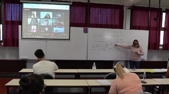 Económicas de Lomas: Primera facultad de la región en contar con aulas híbridas